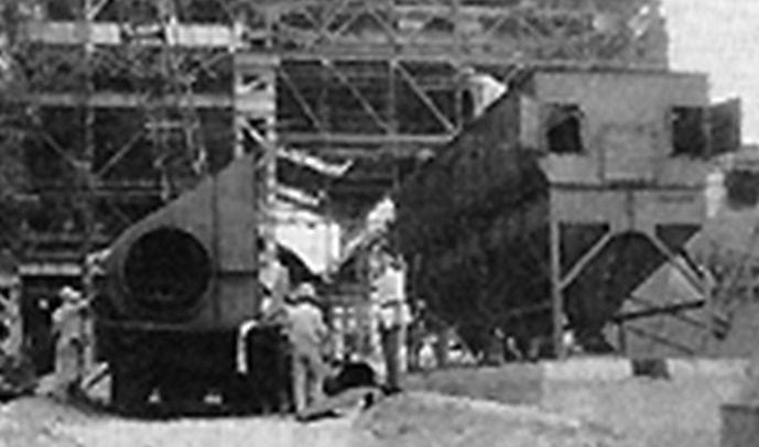 製鉄所構内でのロート・クロンの設置指導